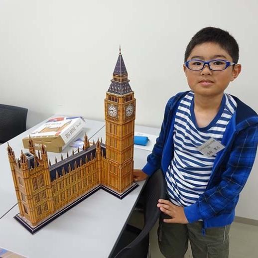 公開講座「3Dパズルを組立てながらイギリスを知ろう」が開催されました。