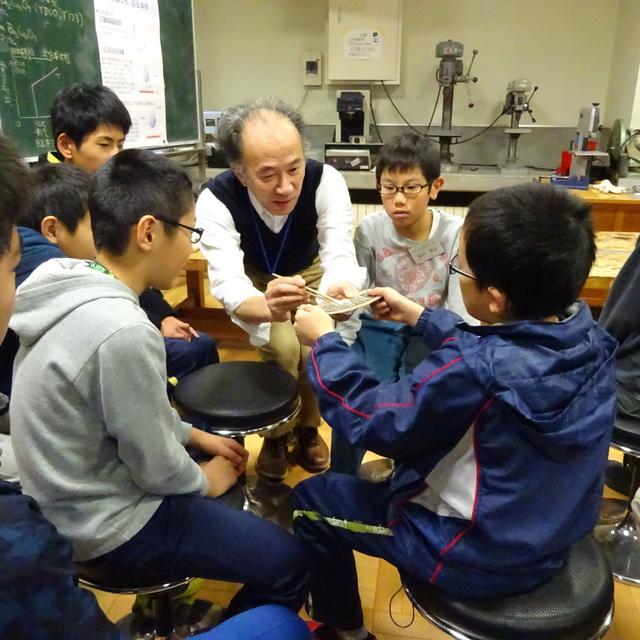 公開講座「ジュニアロボット教室」を開催しました。
