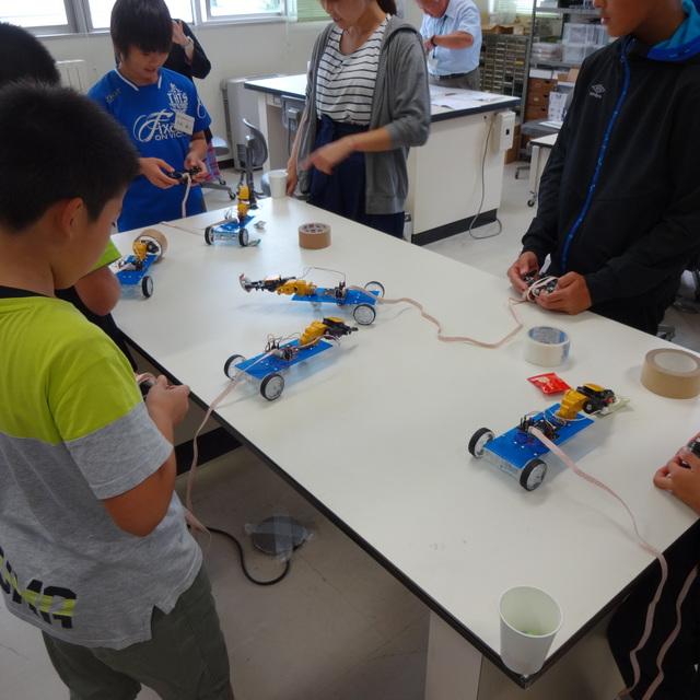 公開講座「ジュニアロボット教室」が開催されました。