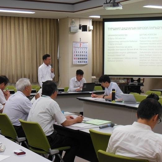 モンゴルの教員ら7名が本校で研修を受けました(2017.7.12-2017.7.21)